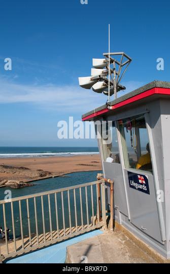 the lifegiuards lookout post at summerleaze beach, bude, cornwall, uk - Stock Image