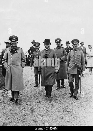 General von Schleicher, Minister of Defense Groener and General Hasse, 1930 - Stock Image