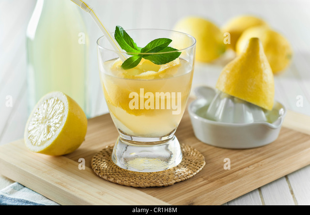 Home made lemonade Lemon squash - Stock Image