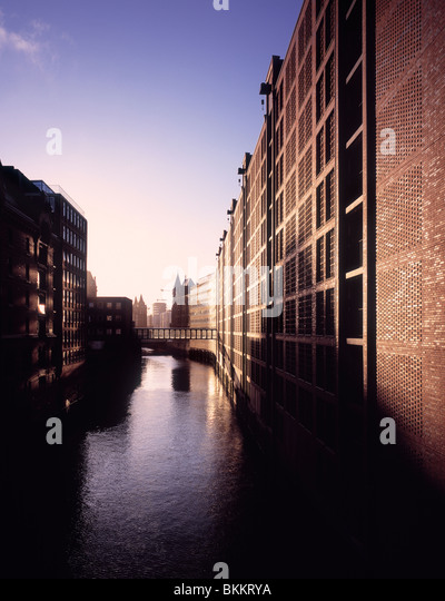 Renovated warehouses at the Speicherstadt rejuvenation area project in Hamburg, Germany - Stock-Bilder