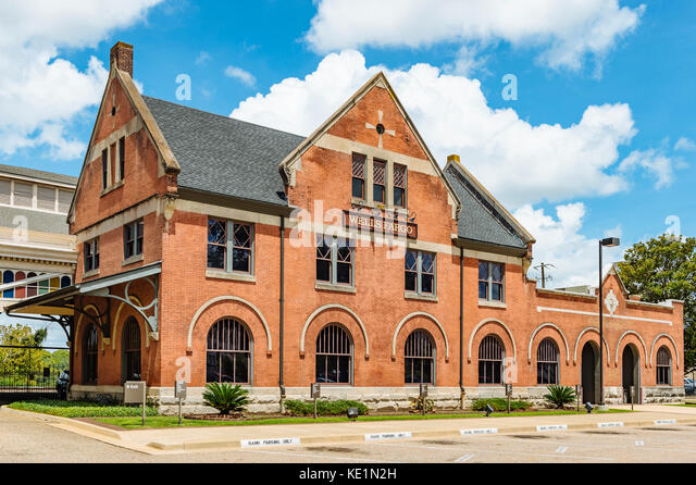 Wells Fargo Bank building in downtown Montgomery, Alabama USA. - Stock Image