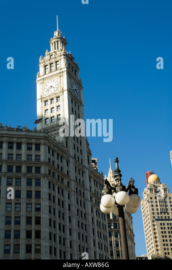 Wrigley Building on left hand side, Chicago, Illinois, USA - Stock Image