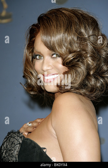 TYRA BANKS 33RD DAYTIME EMMY AWARDS KODAK THEATRE HOLLYWOOD LOS ANGELES USA 28 April 2006 - Stock-Bilder