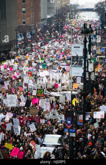 New York, NY, USA. 21st January 2017. Women's March on NYC.  A crowd of protesters extends down 42nd St along - Stock-Bilder