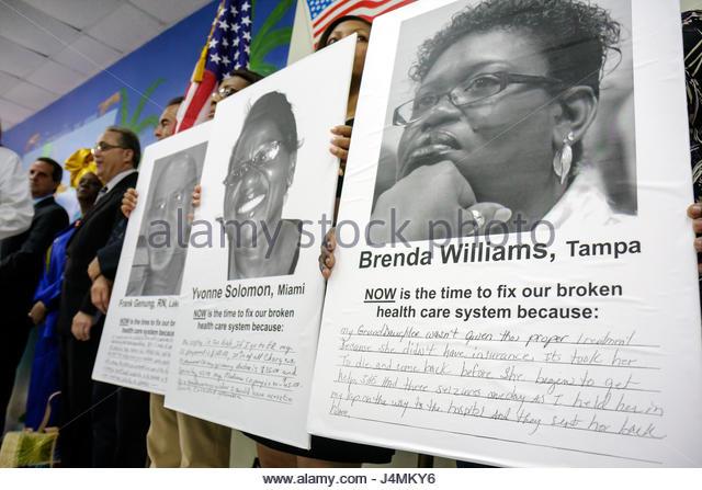 Miami Florida Borinquen Health Care Center clinic healthcare reform press conference affordable medical insurance - Stock Image