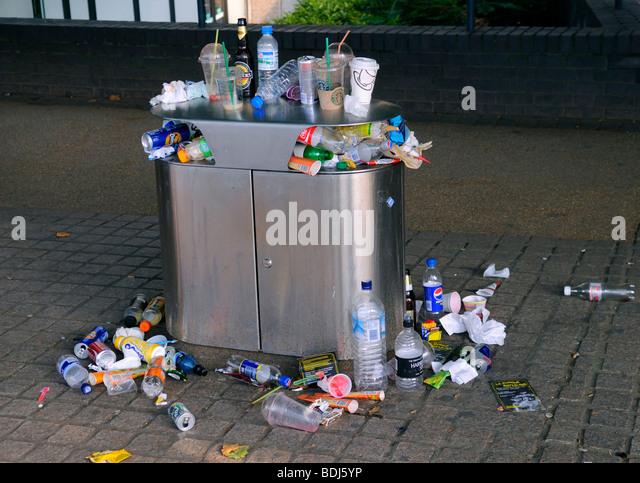 Overflowing Rubbish Bin, London August 2009 - Stock Image