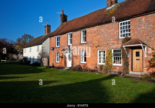 Red brick terraced cottage stock photos red brick for Red cottage