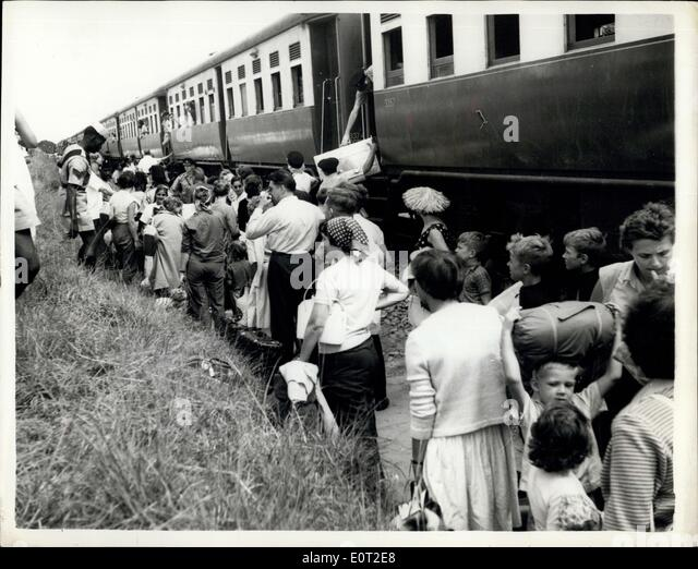 Jul. 19, 1960 - Refuges From Congo Arrive in Port Kingoma - The First Batch of 464 Belgian Refugeen from the Congo - Stock-Bilder