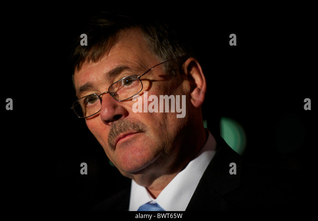 RT Honourable Bob Ainsworth, Shadow Secretary of State for Defence, grants an interview over an afternoon break - Stock Image