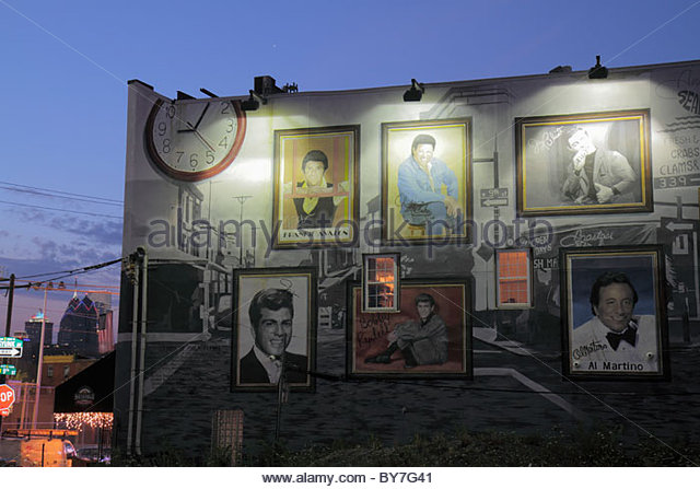 Philadelphia Pennsylvania South Philly South 9th Street mural dusk night nightlife - Stock Image