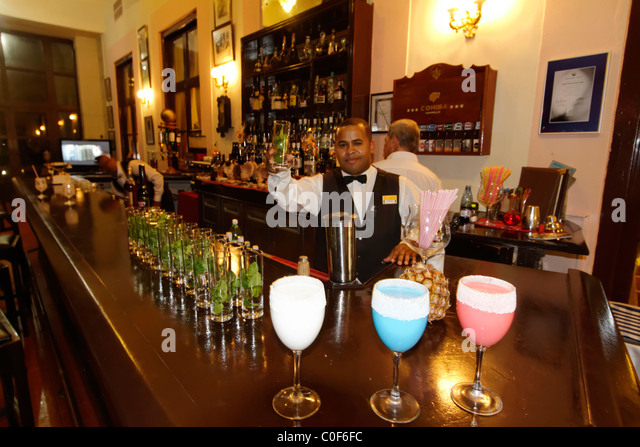 Hotel National Vedado, famous Bar , barkeeper , Frozen Daiquiri, Cuba - Stock Image