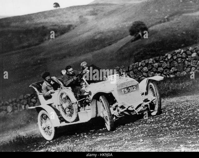 1908 Ariel 40-50hp on Scottish trial - Stock Image