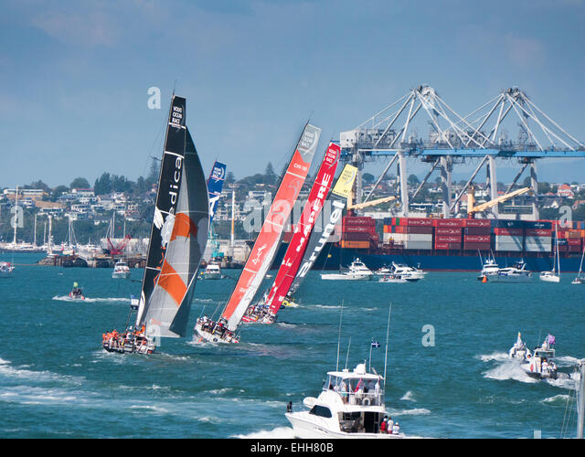 Auckland, New Zealand. 14th Mar, 2015. The all female Team SCA leads Team Brunei, Mapfre, Dongfeng Raving Team and - Stock Image