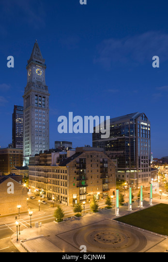 USA, Massachusetts, Boston, Atlantic Avenue Greenway and Customs House - Stock Image