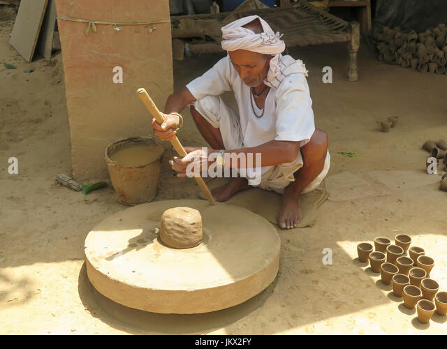 how to make clay pots in hindi