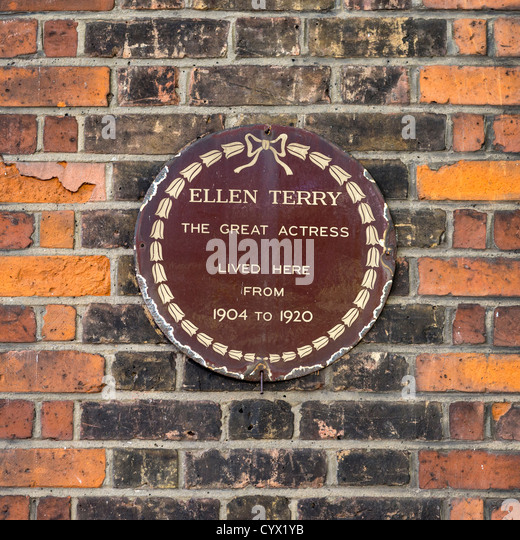 Wall plaque commemorating the residence of actress, Ellen Terry, in London's King's Road - Stock-Bilder