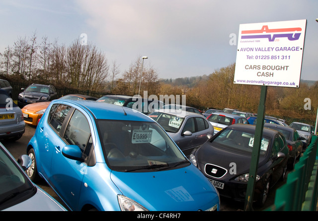 Second hand cars stock photos second hand cars stock for Garage autocash saint maur