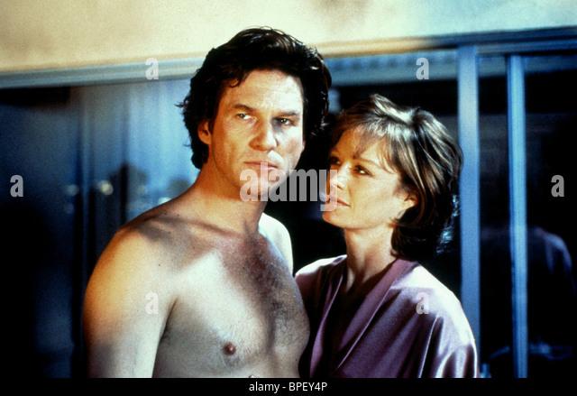 JEFF BRIDGES & SUZY AMIS BLOWN AWAY (1994) - Stock Image