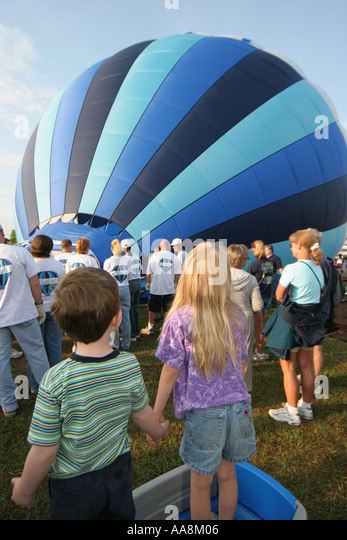 Alabama Decatur Alabama Jubilee Hot Air Balloon Classic children watching - Stock Image