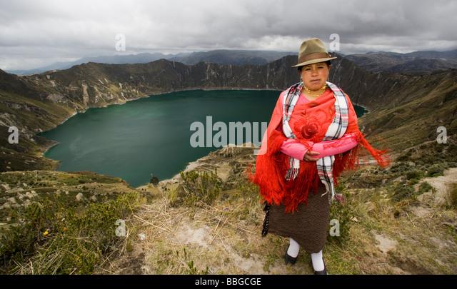 Indigenous woman - Quilotoa Crater Lake, Quilotoa, Ecuador - Stock Image