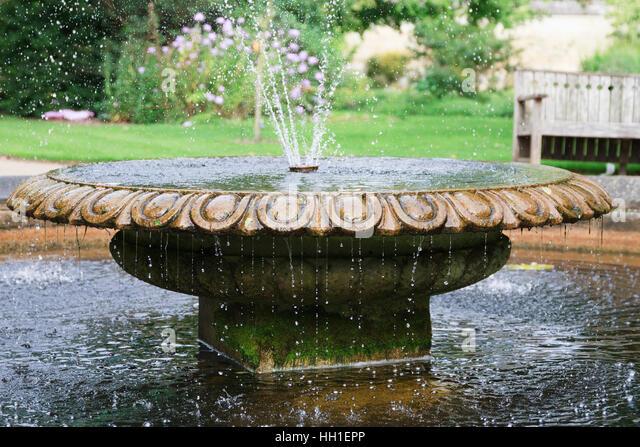 Circular fountain stock photos circular fountain stock for Circular garden ponds