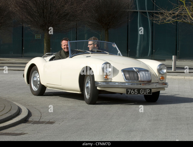 1950s sports car stock photos 1950s sports car stock for Garage seat pau