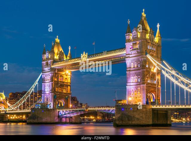 bridge gb night london -#main