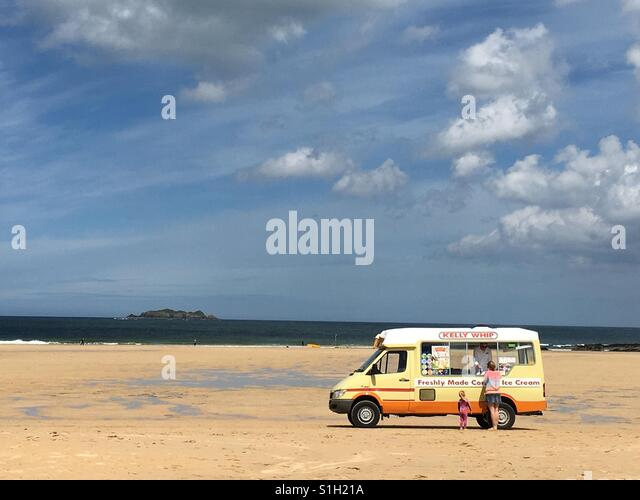 Ice cream on the Beach! - Stock-Bilder