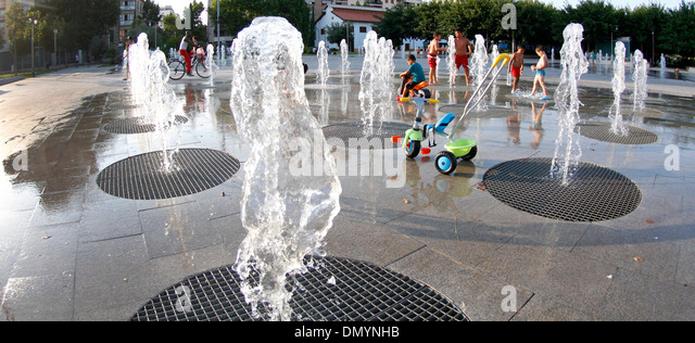Heat pumps stock photos heat pumps stock images alamy for Floor fountain