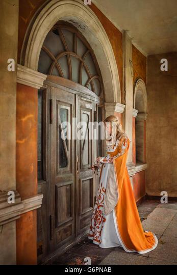 Lady in medieval costume - Stock-Bilder