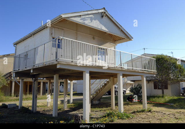 Gruissan plage languedoc roussillon stock photos for Manufactured home on stilts