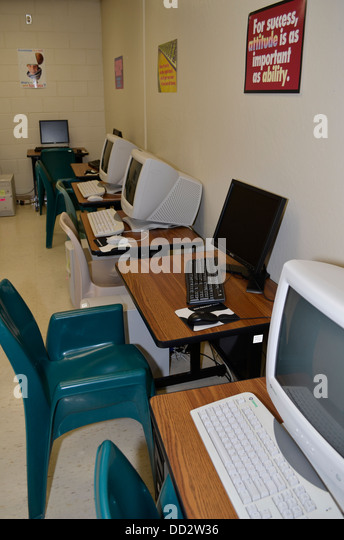 Computers for inmate use in a maximum security prison library. Lincoln, Nebraska. - Stock Image