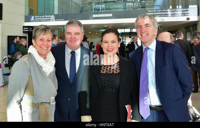 Armagh City, UK. 15th February 2017. Sinn Féin's Cathy Rafferty, Cathal Boylan, Irish TD Mary Lou McDonald - Stock Image
