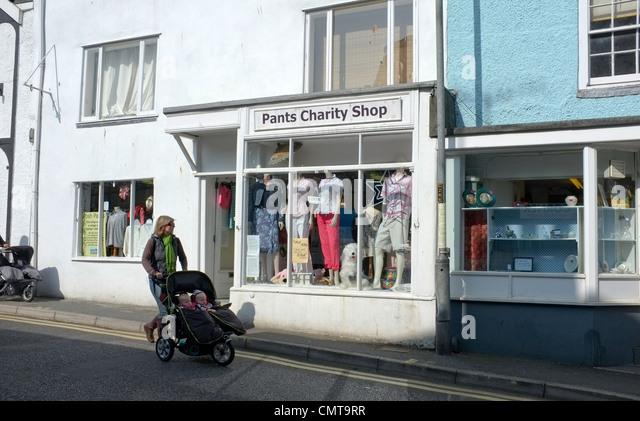Charity Shop Uk Stock Photos Amp Charity Shop Uk Stock