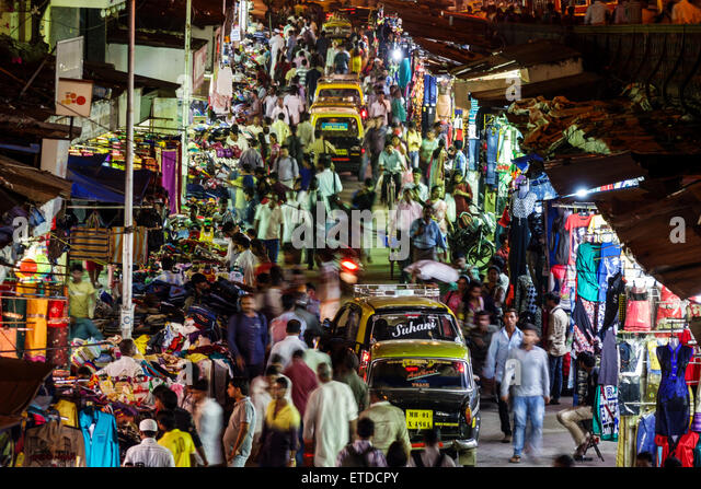 India Indian Asian Mumbai Grant Road East Bharat Nagar P Nagare Lane night nightlife shopping street market vendors - Stock Image