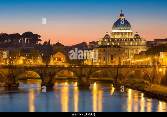 Twilight over River Tibor and the dome of San Pietro, Vatican, Rome, Lazio, Italy - Stock Image