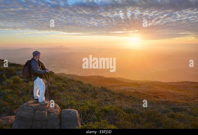 USA, California, Cleveland National Forest, Touris looking at sunset - Stock Image