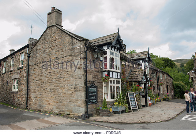 Edale, Derbyshire UK. Peak District National Park.  The Old Nags Head public house, for many the starting point - Stock Image