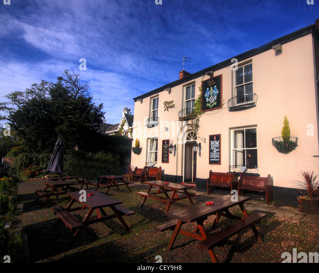 The Parr arms, Traditional British Cheshire Country Pub, Grappenhall South Warrington Cheshire England UK - Stock Image