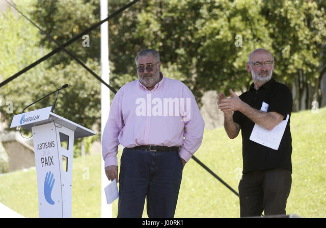 Basque-French society representative members Mikel Berrohirigoin (R) and Michel Tubiana (L) adress to the people - Stock Image
