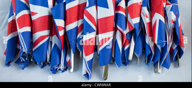 Union Jack flags on napkins as patriotic gesture for jubilee street party celebrations in the UK - Stock-Bilder