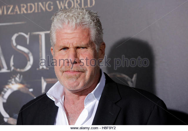 Actor Ron Perlman attends the premiere of ?Fantastic Beasts and Where to Find Them? in Manhattan, New York, U.S., - Stock-Bilder