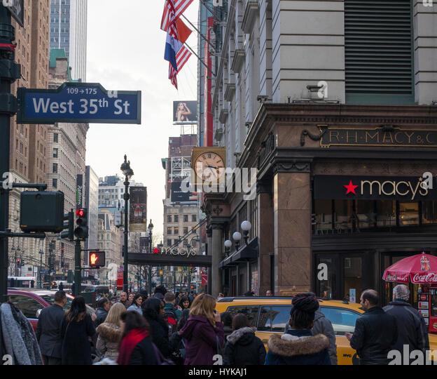 Macys Worlds Largest Department Store Stock Photos & Macys