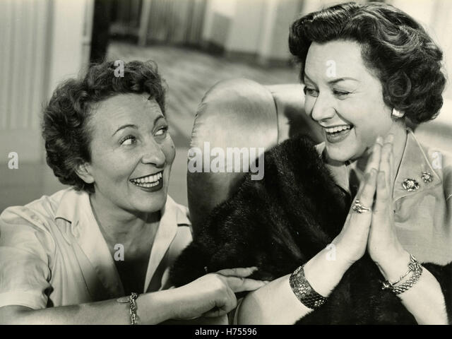 Actresses Paola Barbara and Lucy D'Albert in his films Height said NO !, Italy 1953 - Stock Image
