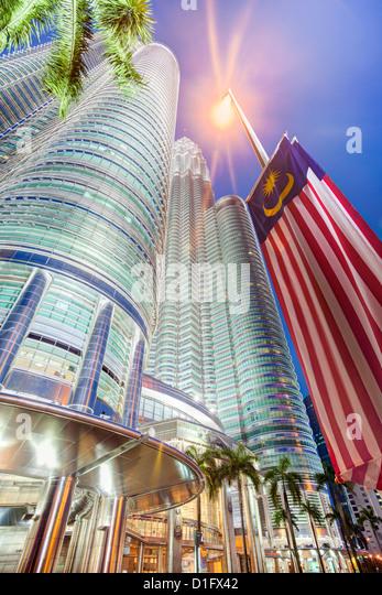 Low angle view of the Petronas Twin Towers, Kuala Lumpur, Malaysia, Southeast Asia, Asia - Stock Image