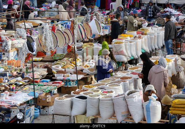 Douz weekly market, Kebili, Tunisia, Africa - Stock Image
