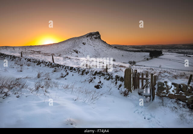 Sunrise above Hen Cloud at The Roaches, Peak District National Park, Staffordshire. - Stock Image