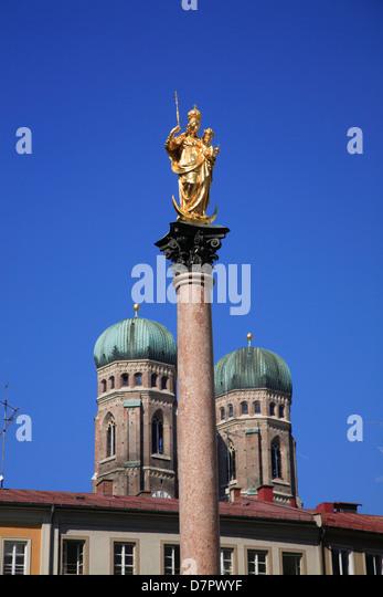 Mariensaeule and Towers of Frauenkirche, Munich, Bavaria, Germany - Stock-Bilder
