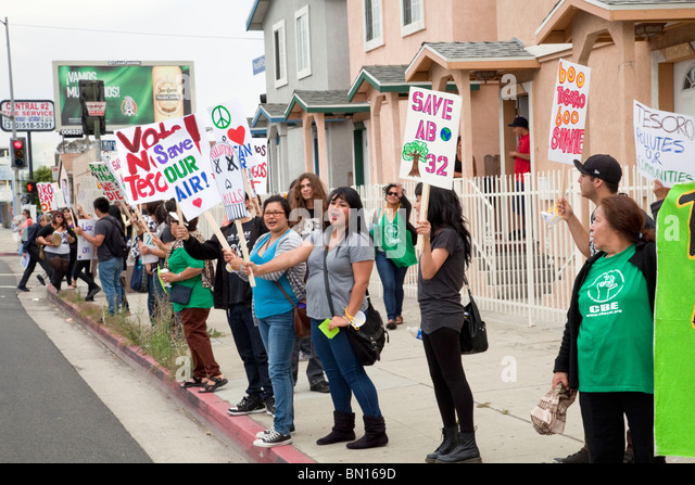 "A protest of ""California jobs Initiative"", AB 32, at the Tesoro Oil refinery headquarters in Wilmington, California - Stock Image"