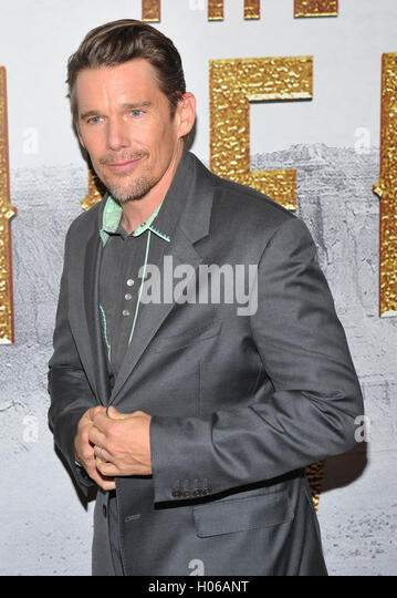 New York, NY- September 19: Ethan Hawke attends the 'The Magnificent Seven' New York premiere at Museum - Stock-Bilder